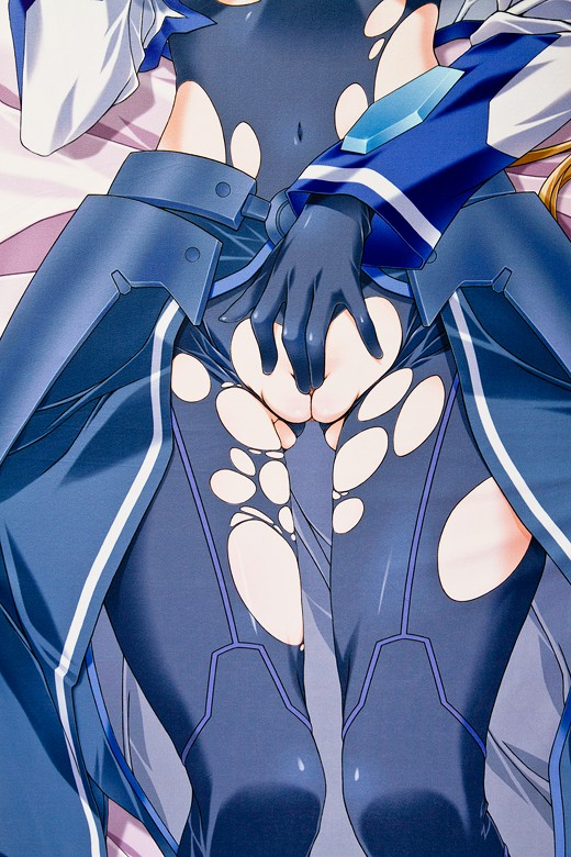 Vivio from Magical Girl Lyrical Nanoha Dakimakura Review