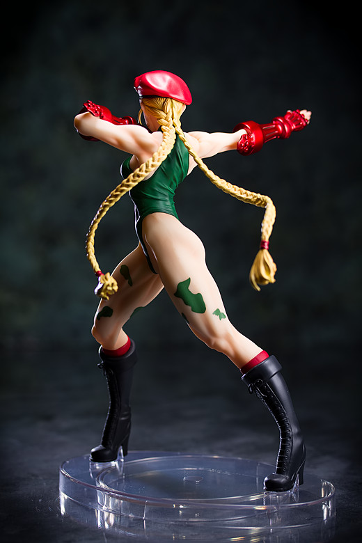 Cammy figure by Kotobukiya