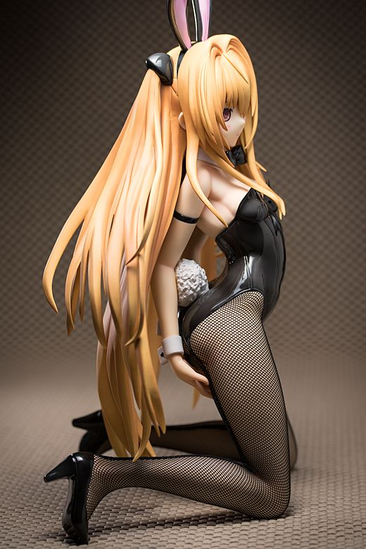 Golden Darkness figure
