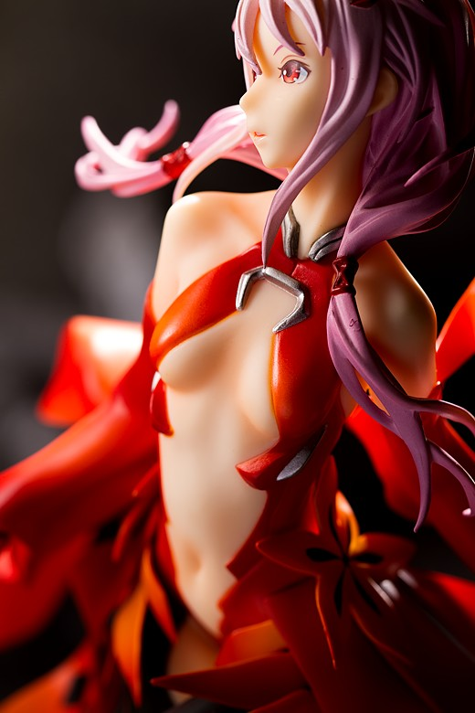 Inori, left side