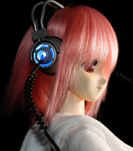 Sonico's light-up headphones