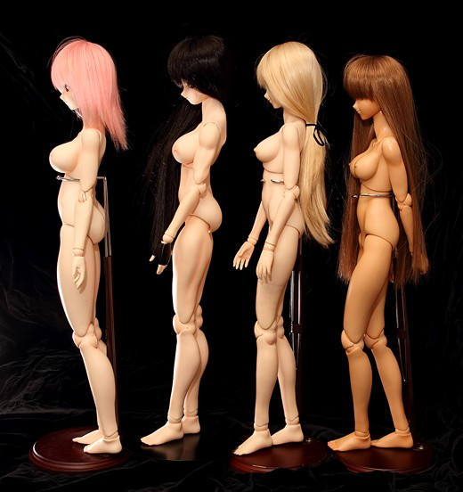 vmf50 Doll Lineup, Side