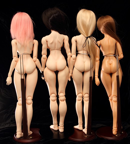 vmf50 Doll Lineup, Rear
