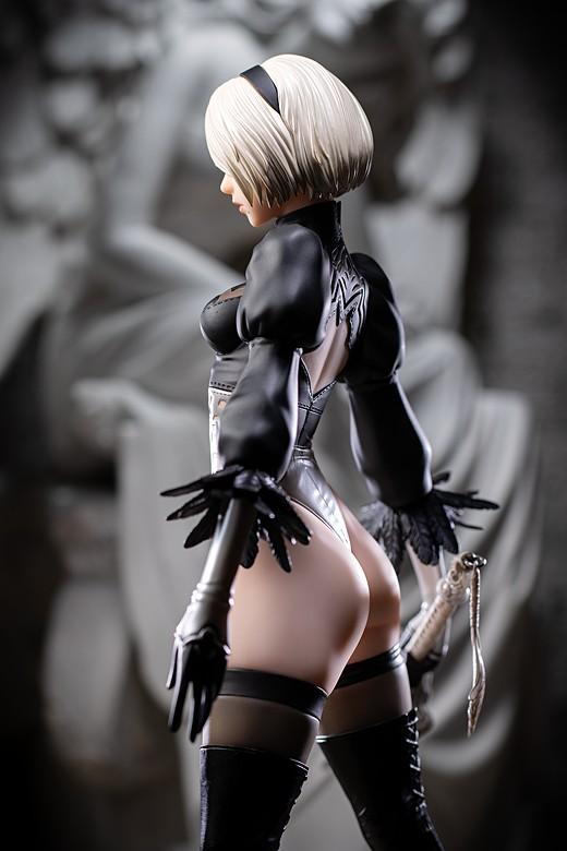 2B figure