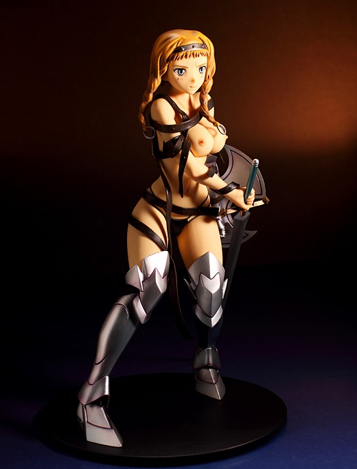 Daiki Kougyou Leina from Queen's Blade Figure Review