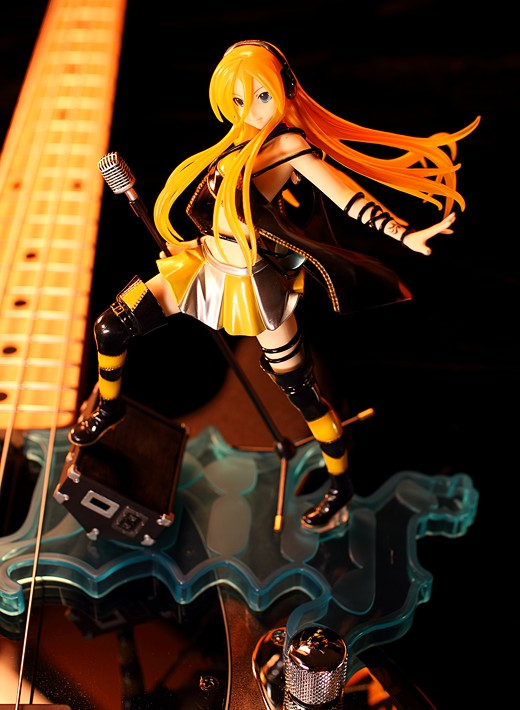 Lily from Vocaloid Figure Review