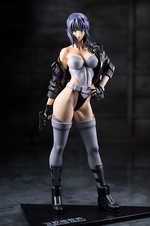 Motoko Kusanagi figure