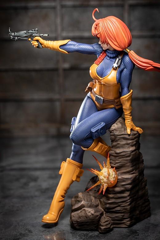 Scarlett figure