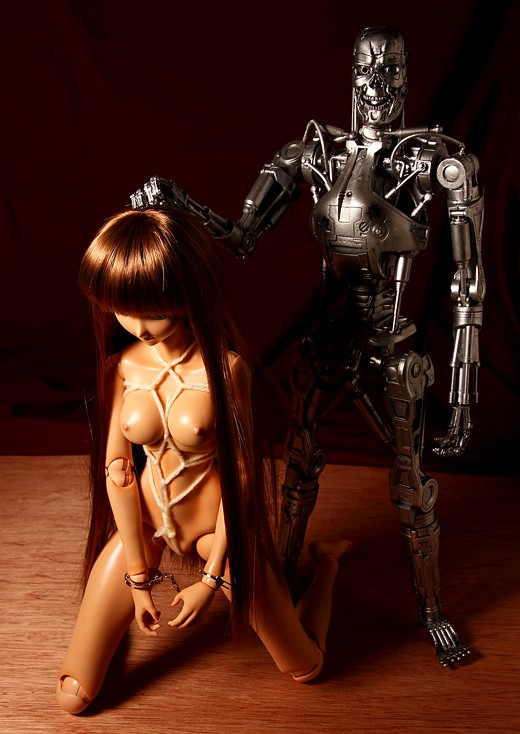 vmf50 Yumi in shibari with the T-800 endoskeleton