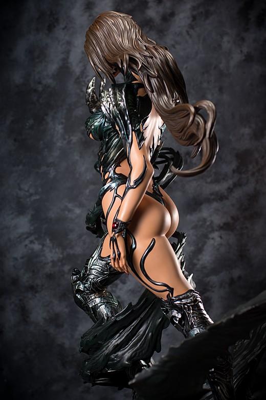 Sara Pezzini figure