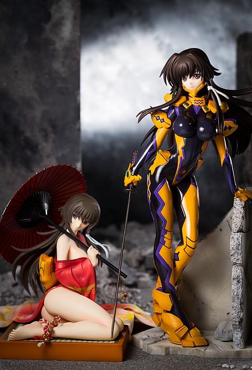 Both Yui Takamura figures from Kotobukiya
